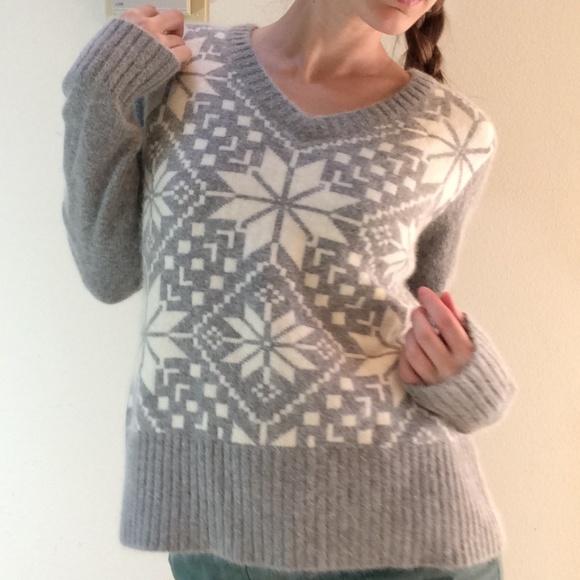 Covington Sweaters - Angora Soft Snowflake Winter V-Neck Sweater